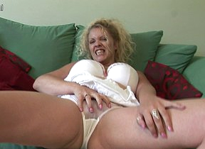 Big titted British housewife shows off great rack and masturbates