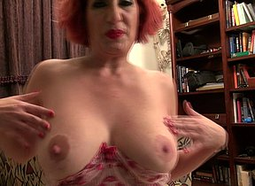 NaughtyAmeican mature lady goes nuts with herself