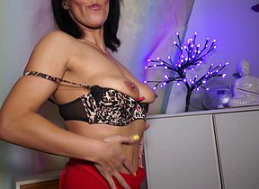 This is one naughty housewife from the UK