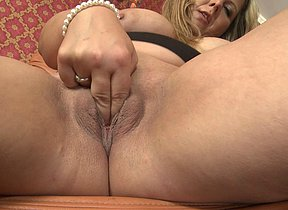 Hot chubby housewife playing with herself