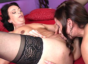 This hot babe seduces a naughty older lesbian