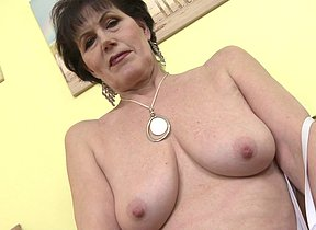 Supernaughty mature lsut playing with herself