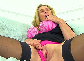 Hefty jugged Camilla luvs playing with herself